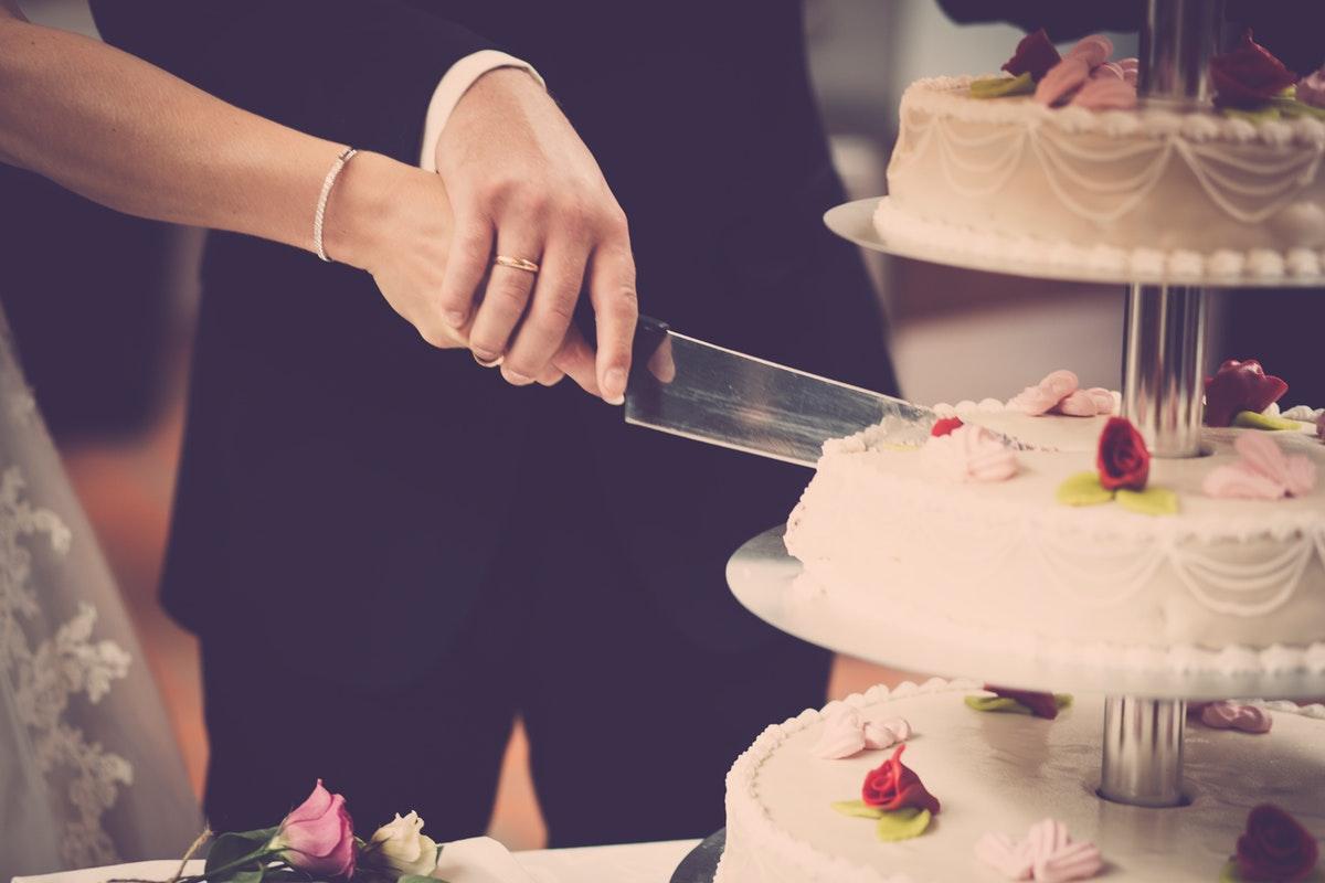 Dress to Impress! Rekomendasi Tampilan Pesta Pernikahan