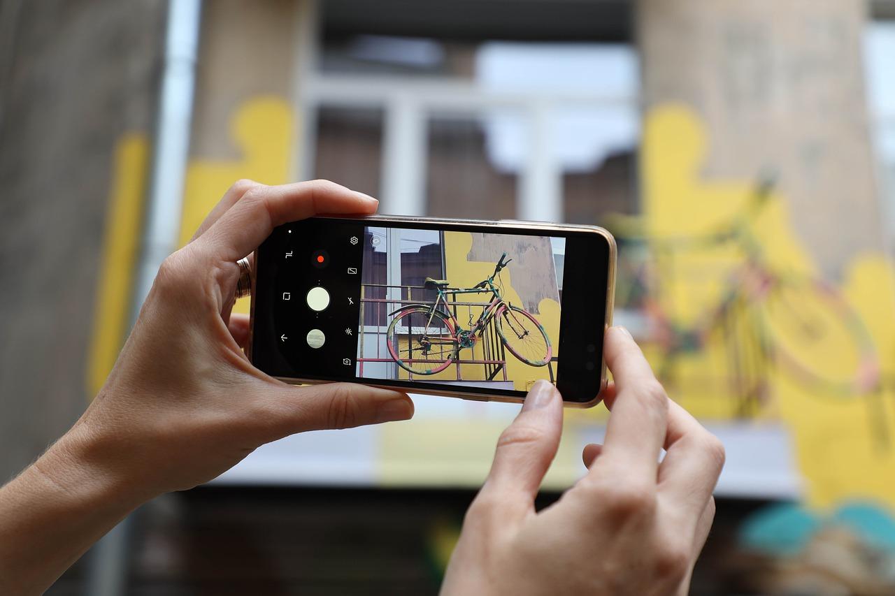 Foto Traveling Lebih Instagramable dengan Ponsel, Ini Kiatnya!