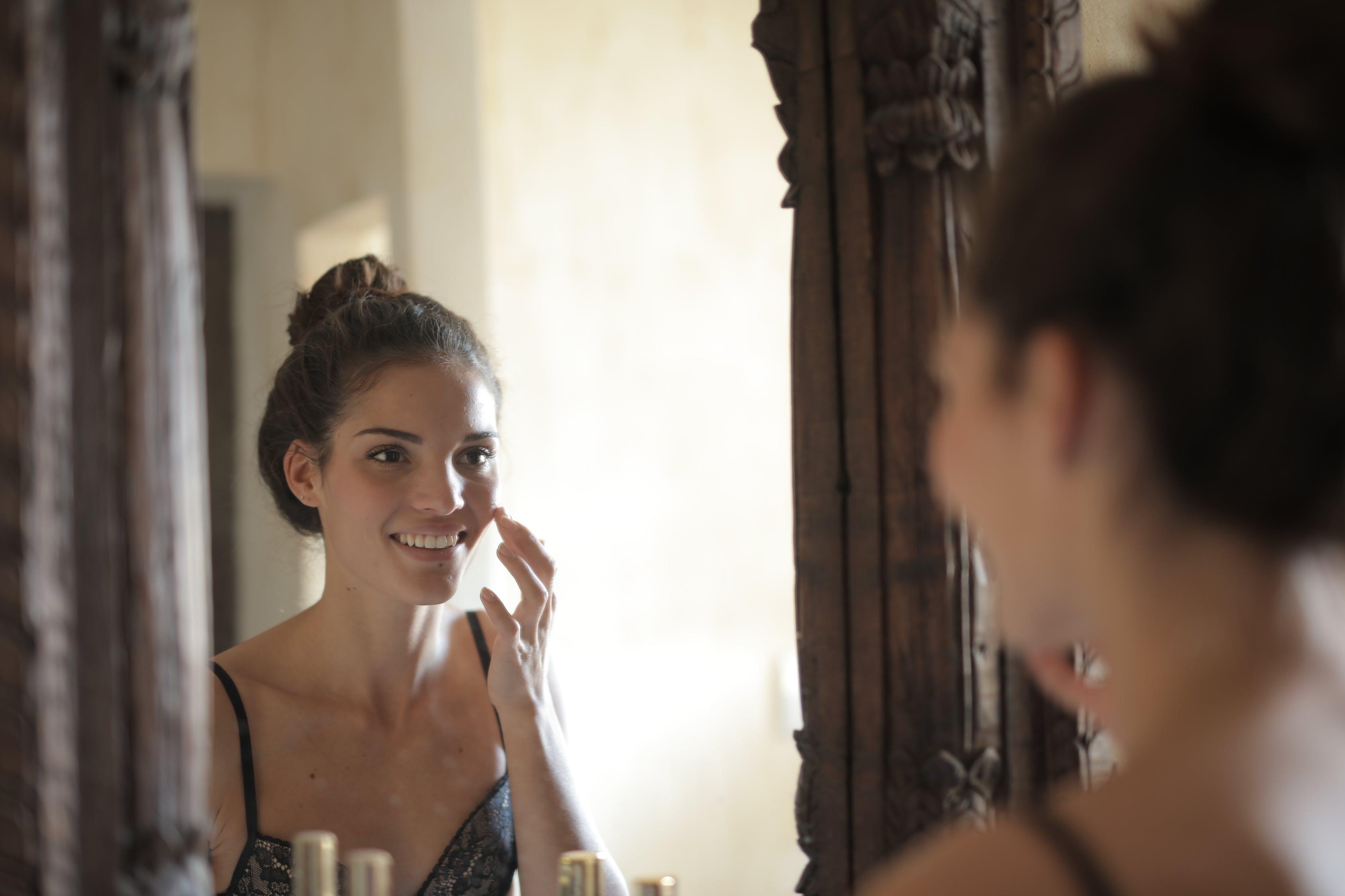 5 Hal yang Perlu Diperhatikan Sebelum Membeli Skincare