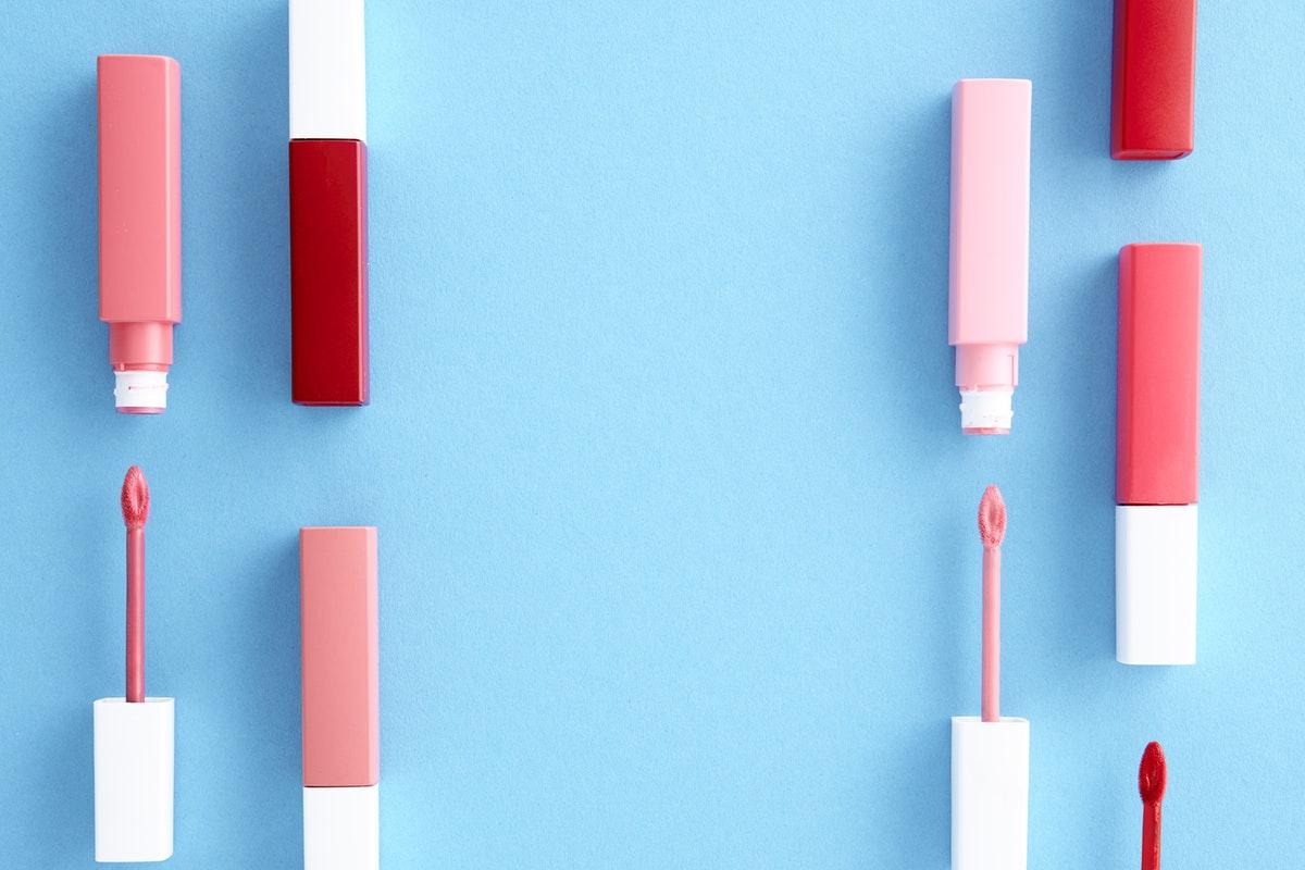 Hindari Makeup Tester untuk Cegah Infeksi COVID-19