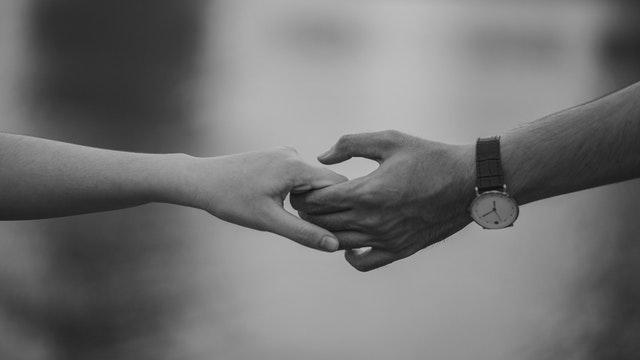 #DiRumahAja Bikin Tambah Romantis? Kata Siapa...
