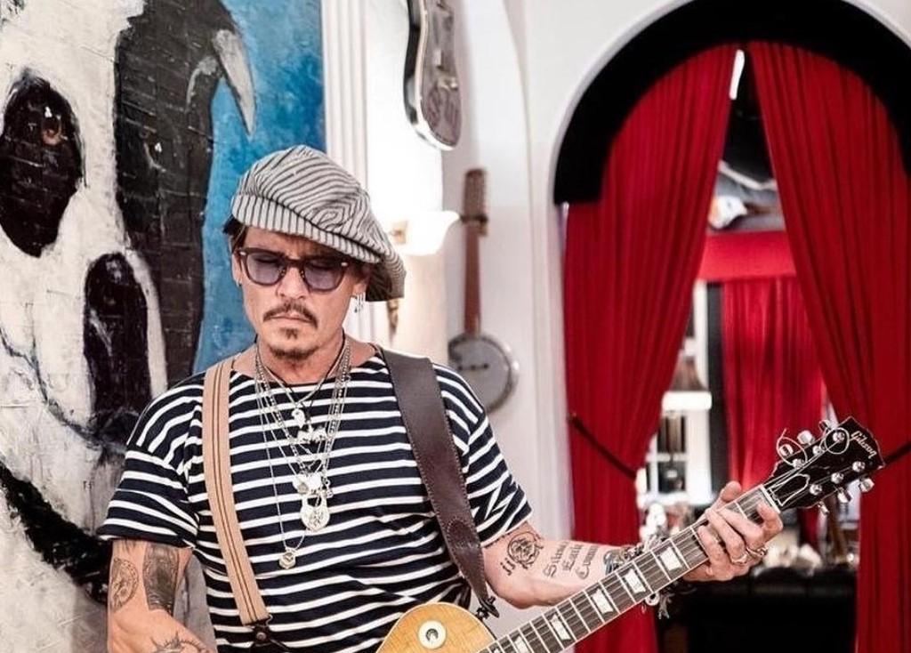 Dijuluki Pemukul Istri, Johnny Depp Kalah Dipersidangan